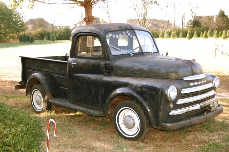 I love old trucks that have traditional cabs--not these bloated crew cabs that are really SUVs with miniature truck beds...
