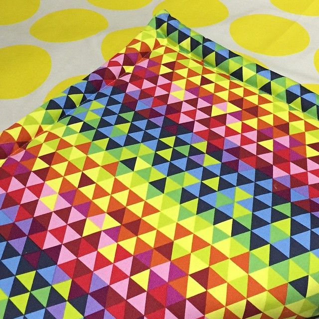Bright double sided floor mat! Perfect for cubs tummy time!