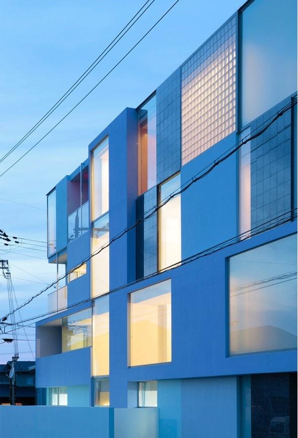 Immeuble d'habitation « On the Corner » by Eastern Design Office