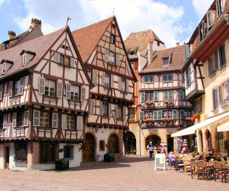 Riesling Wein hat Tradition in Deutshcland und im Elsass.