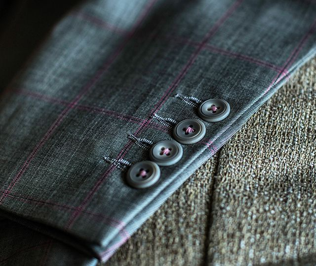 PIETER PETROS || MIAMI I || The Light-pink threads used for the buttons gives MIAMI I a poised look.