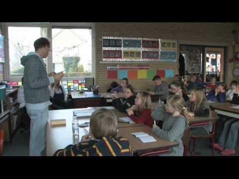 Erik van Os is dichter en schrijver voor kinderen (ook voor leermethodes).