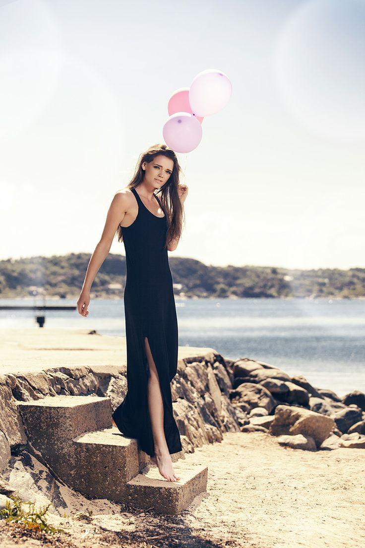 Isabella Andersson: Fotosession vid kusten / porträtt / mode av fotograf Stephan Berglund
