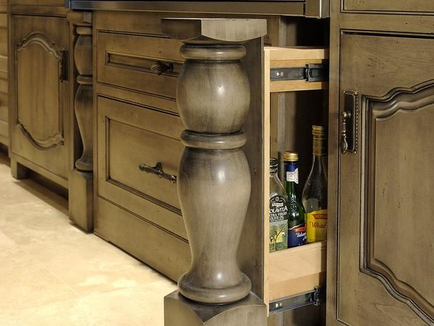 Cabinet Finish Is A Great Way To Personalize A Kitchen Kitchen And Bathroom Cabinets