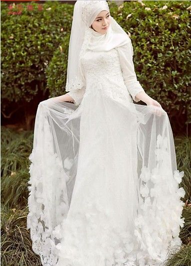 Arab Muslim bride white wedding dress handmade beaded wedding fashion Israel long sleeve muslim wedding dress