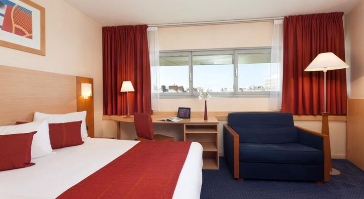 Forest Hill Paris la Villette Paris Located opposite the City of Science and Industry, hotel Forest Hill Paris la Villette offers accommodation with free WiFi just a 5-minute walk from Ourcq Canal.