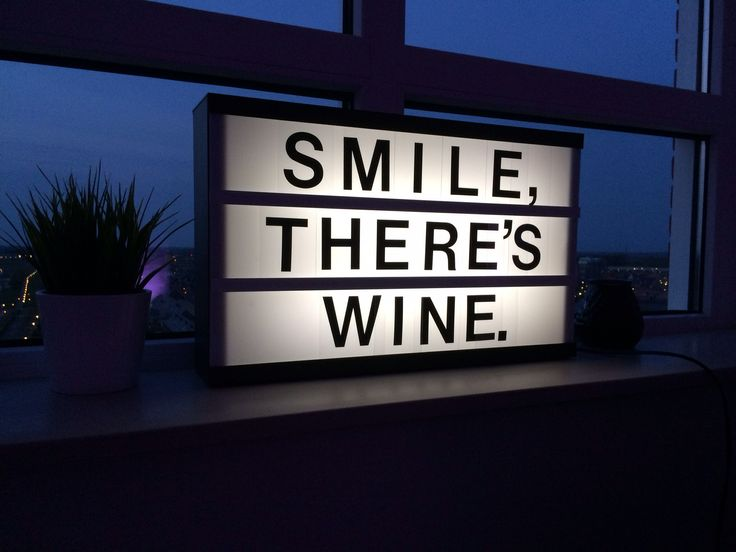 Lightbox JVB_design . Smile, there's wine.