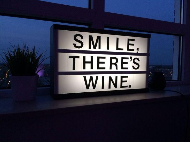Lightbox JVB_design . Smile, there's wine.