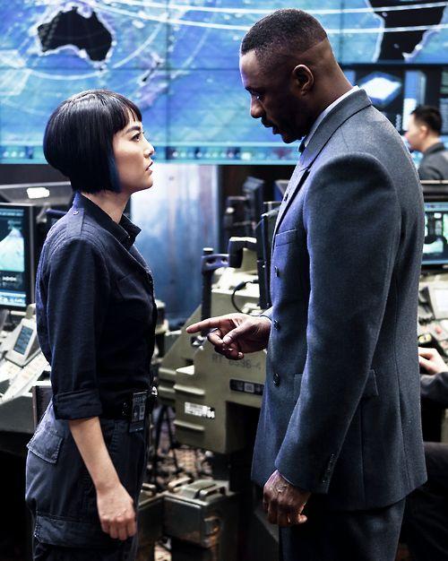 Mako Mori & Stacker Pentecost - Rinko Kikuchi & Idris Elba - Pacific Rim 2013