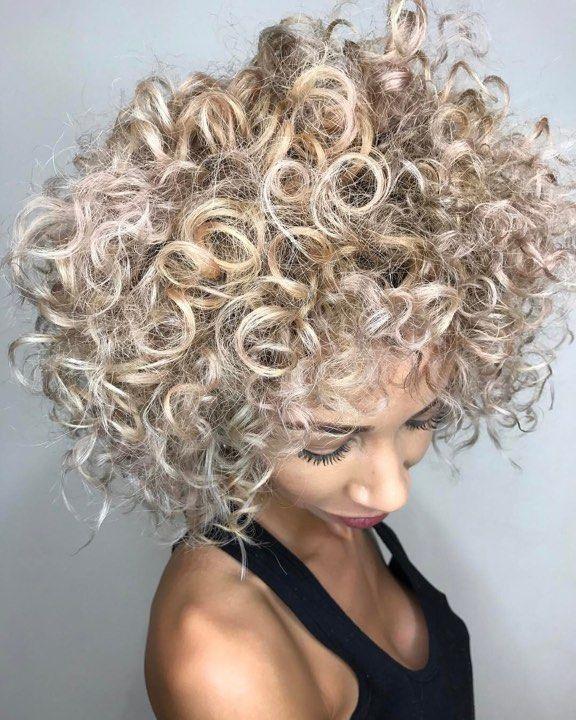 Pour que les cheveux grandissent plus vite et plus épais moyen