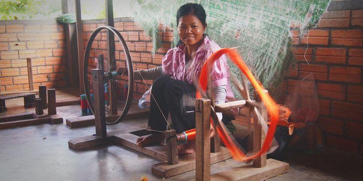 Stung Treng silk factory - Coddiwompling