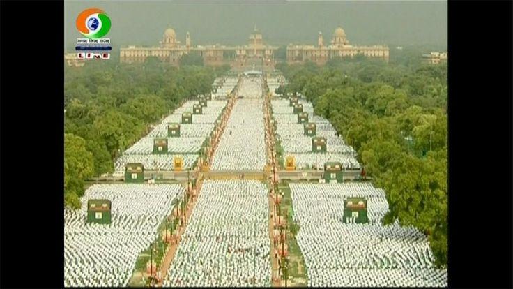 国際ヨガの日 インドで数万人が心身リフレッシュ 首相も参加(15/06/21) - http://koe.wp-x.jp/?p=22913