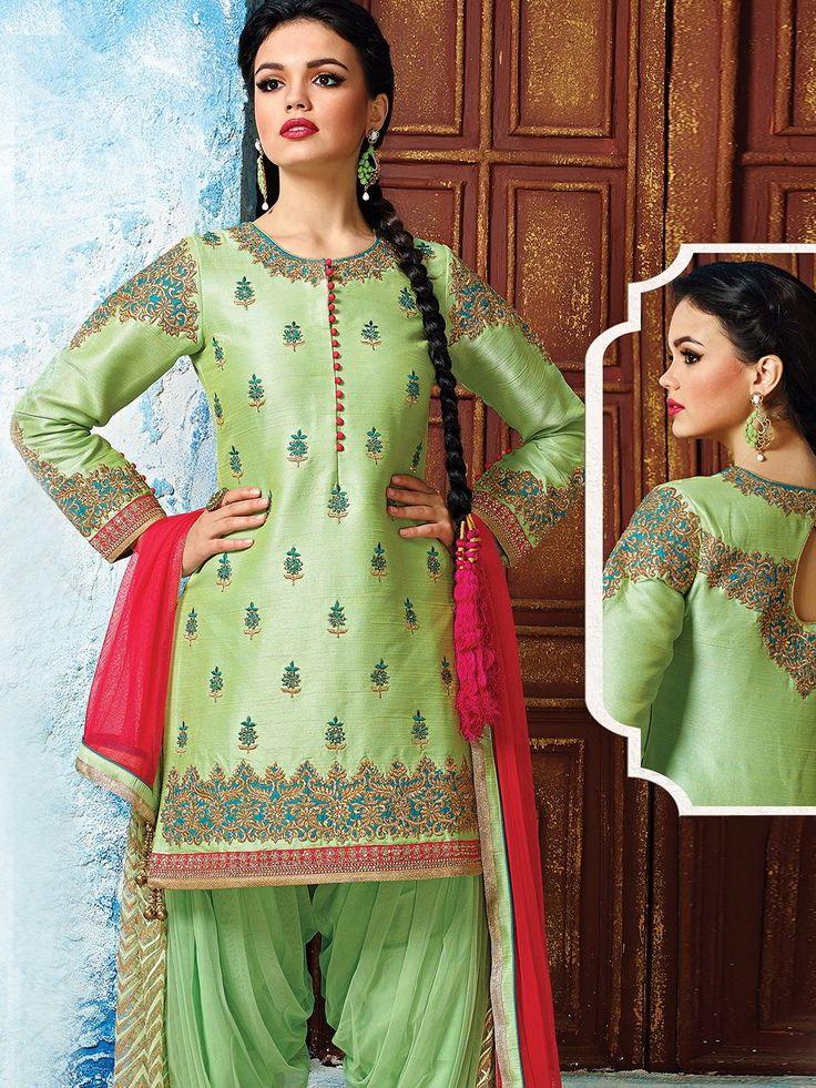 Светло-зелёный женский индийский костюм, украшенный вышивкой скрученной шёлковой нитью (камиз   патиала   дупатта)