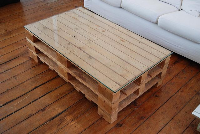 Sweet pallet coffee table