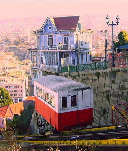 "Valparaiso, Chile - ""ascensores"" (PICTURE) - Transportation from the bottom to the top of Valparaiso....."