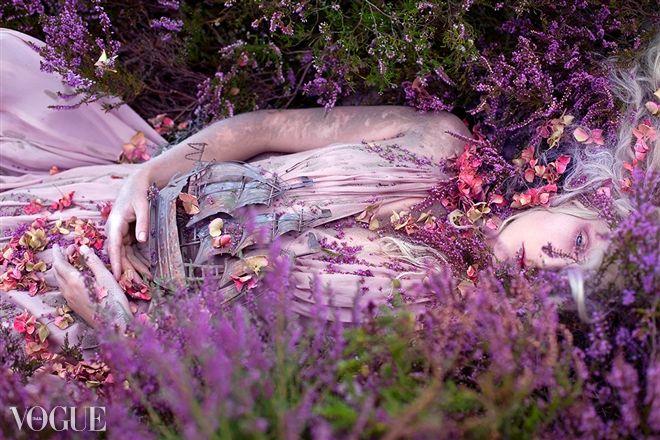 Gammelyn's Daughter, A Waking Dream - Wonderland - Kirsty Mitchell