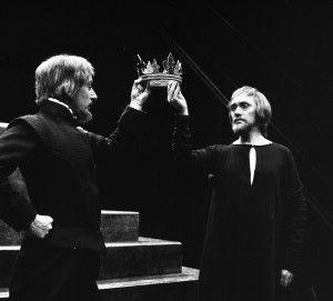 Ian Richardson as Bolingbroke and Richard Pasco as Richard II, RSC 1973-4