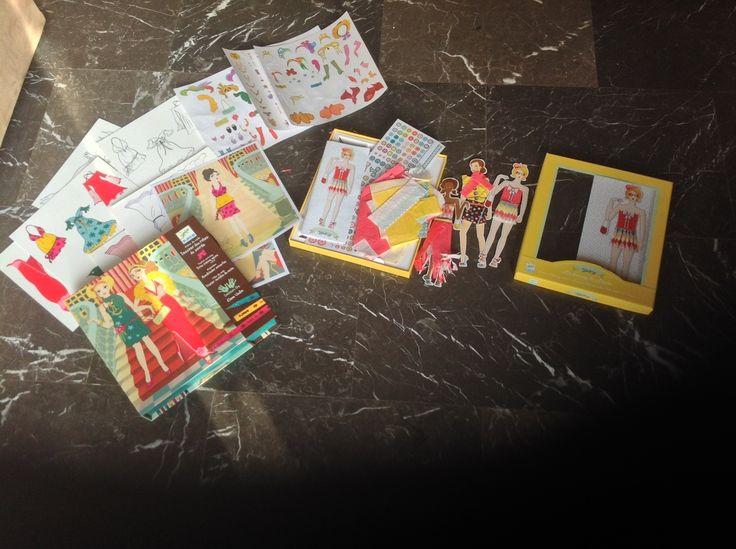 (Αττική) Παιδικά λοιπά είδη • ΓΙΑ ΚΟΡΙΤΣΙΑ-ΕΡΓΑΣΤΗΡΙΟ ΜΟΔΑΣ: χρησιμοποιημενο,αλλα για πολλα παιχνιδια ακομα upload images free Οι κούκλες…