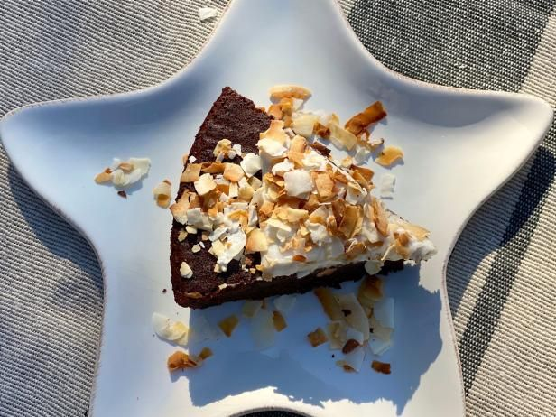 Baking Recipes, Cake Recipes, Dessert Recipes, Just Desserts, Delicious Desserts, Coconut Whipped Cream, Michael Symon, Something Sweet, Cupcake Cakes