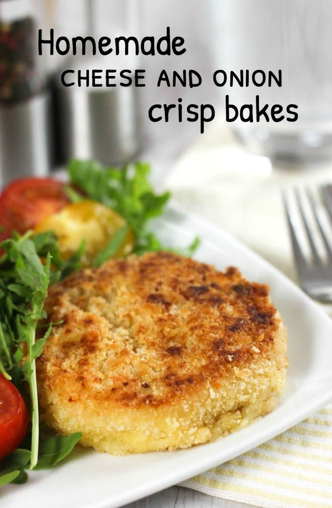 Homemade cheese and onion crisp bakes - a homemade version of one of my FAVOURITE things ever! They're cheesy, oniony potato covered in crispy breadcrumbs - so tasty!