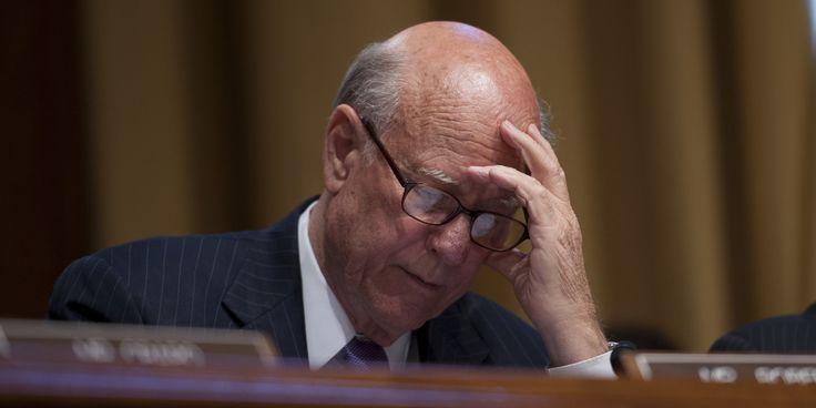 La sonnerie de ce sénateur l'a légèrement embarrassé ! #PatRoberts