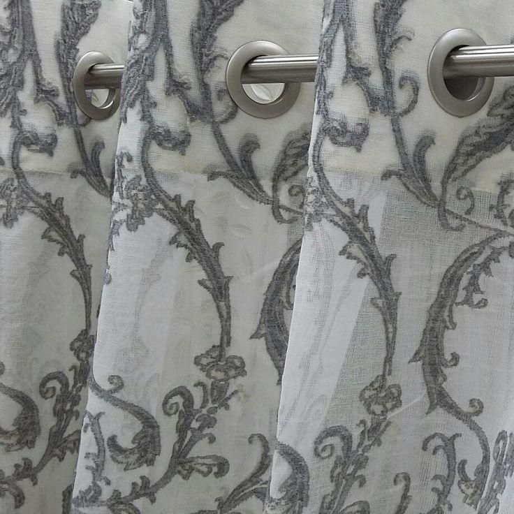 невесомое #кружево #LEVERN из коллекции Paisley #Galleria_Arben на брутальных металлических люверсах. Эффектное решение @accento_volgograd #fabric #ткани #ткань #мадрас #decoration #homedecor #дизайнинтерьеров #ажур #тюль #interiordesign #декорокна #Madras #tulle #MYBTextiles