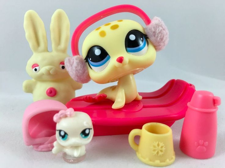 Littlest Pet Shop RARE Yellow Spotted Seal #1561 w/Sled, Teensie & Accessories #Hasbro