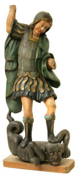 Скульптура Св. Георгия, созданная в середине XVIII века, выполнена в стиле зрелого барокко. Деревянная резная скульптура уникальна с художественной точки зрения и не имеет близких аналогов в Восточной Европе. Первоначально она находилась в полоцком костеле, а в 1912 году была передана в Витебский церковно-археологический музей