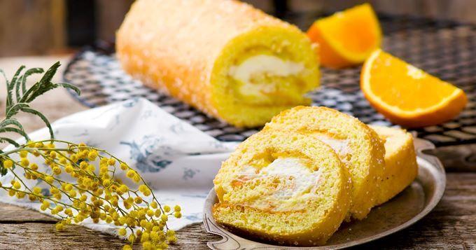Gâteau roulé ananas, mangue et orange