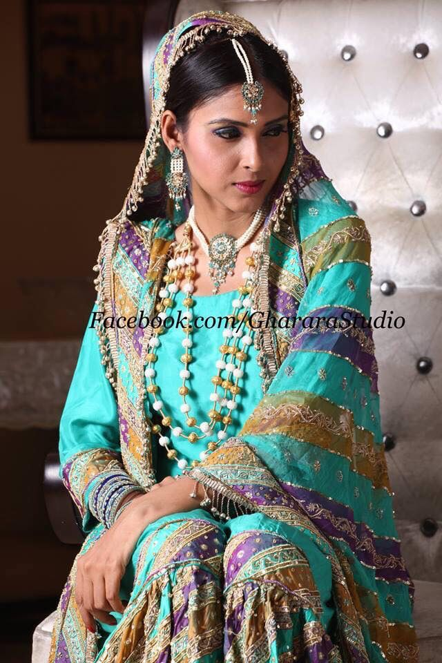 Happy Sunday to all the beautiful and royal Gharara fans. Make your every event royal with amazing and unique Gharara.  #happysunday #amazing #lookroyal #lookgorgeous #lookbeautiful #fashion #fashion2015 #bigfatindianwedding #bigfatmusilimwedding #gharara #gharara4u #ghararadesign #GhararaStudio #royal #chatapatigharaaa