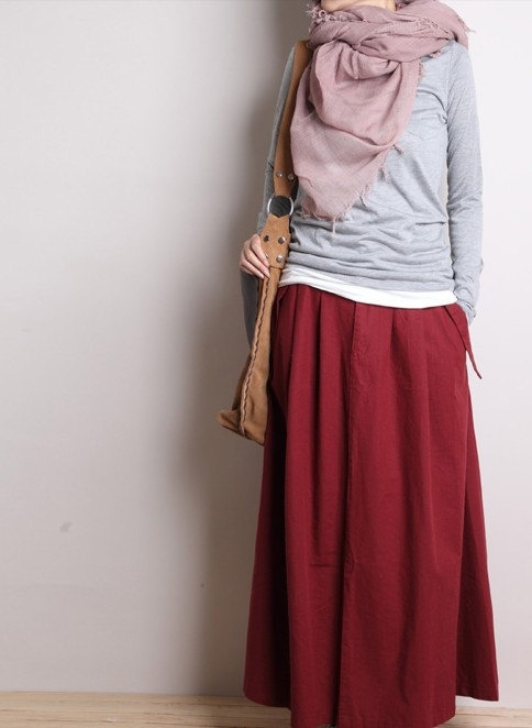 Dressing for travel in India:  Long ankle length skirt, long sleeve / 3/4 sleeve high neck top (out of VERY light weight material!!), Head scarf.