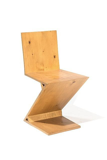 gerrit thomas rietveld dans le go t de 1888 1964 chaise zig zag circa 1990 bois naturel. Black Bedroom Furniture Sets. Home Design Ideas