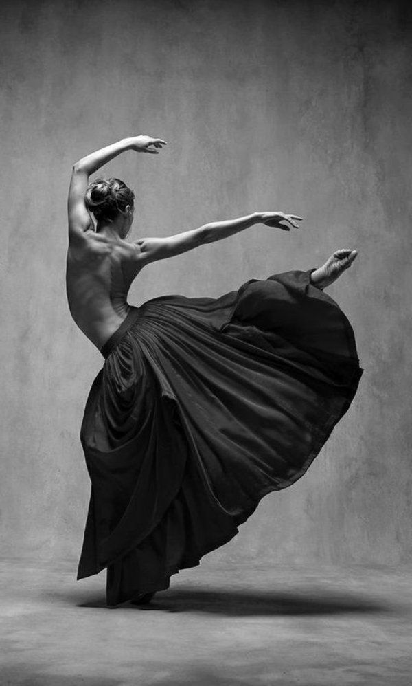 Die Ballerina tanzt wunderschön