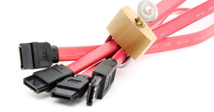 Cómo obtener un SSL gratuito . Una Capa de Conexión Segura (Secure Socket Layer o SSL) es un certificado para sitios web. Los certificados SSL se utilizan para cifrar los datos subidos a Internet. Estos son muy útiles si estás ingresando a tu sitio web o blog a través de una red inalámbrica no segura. El uso de un certificado SSL puede impedir que los hackers tengan acceso a ...