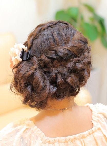 人気の☆編み込みサイドアップ☆ 結婚式&2次会アップスタイル♪ | 神奈川県・元町・石川町の美容室 hair coucouのヘアスタイル | Rasysa(らしさ)