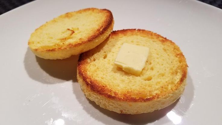 Kelly's Krazy Quick English Muffin - 1/4 cup cottage cheese, 1 egg, 2 Tbs coconut flour, 2 Tbs unflavored whey protein powder, 1/4 tsp baking powder, 1/16 tsp pink salt. Grease ramekin or small bowl. Blend together cottage cheese and egg. Pulse or stir in all other ingredients. Scoop batter into ramekin and tap on counter a few times to distribute evenly. Microwave for 2-3 minutes. Slice in half then toast each slice.