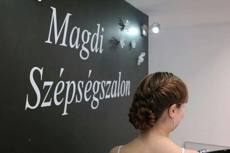 Csigusz konty, fonva, feltűzve   Lányok, hogy tetszik?  www.magdiszepsegszalon.hu/fodraszat  #konty #hairbun