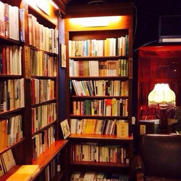 A little quiet book shop #storefront #cubemarket #australia #australiaretail #store #shopdisplay #melbourne #retailstore #coffeeshop #gifts #giftshop #smallbusinessaustralia #shops #shopsmall #shopsmallbusiness #sydney #reedgiftfair #brisbane #perth #adelaide #canberra #beijing #cuteshop #france #bookshop #lollyshop #cafe #coffeeshop #shopinterior #spacesharing by thecubemarket