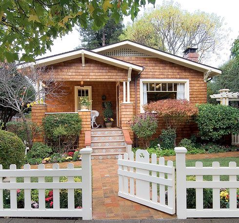 1000 images about fence ideas on pinterest chain links for Craftsman style homes for sale dallas tx