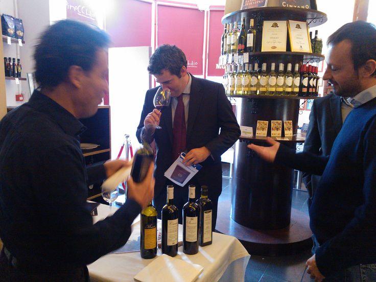"Irish buyers tasting great Italian wines @ ""The Italian Food & Wine Exhibition"""