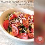 Zomerse boontjes salade!  (haricots verts, groente, zomer, rode ui, rijstazijn, sojasaus, honing, hete saus, trostomaten, verse koriander, pinda's)