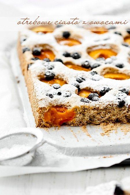 Otrębowe ciasto z owocami (bez tłuszczu)
