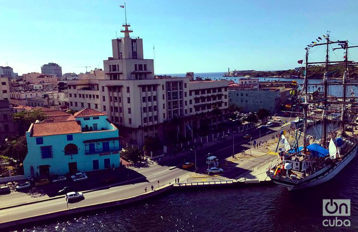 There is #Havana yawning opening wide long beautiful ready to meet. #OnCuba #Cuba #travel #traveling #holiday #vacation #travelling #sun #hot #love #ilove #instatravel #tourist #traveler #instalive #instalife #tourism #gf #colore #tagsta_travel #beauty #beautiful #amazing #tweegram #photooftheday #20likes #smile #follow4follow #like4like