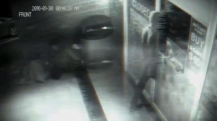 Cosa ha registrato questa Videocamera di sicurezza? Un Viaggiatore nel Tempo? Un fantasma?