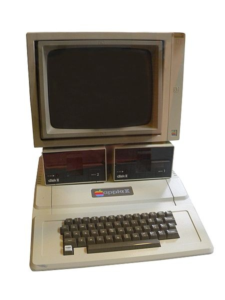 The Apple II was launched on April 16th, 1977 - 35 years ago // O Apple II foi lançado em 16 de abril de 1977 - 35 anos atrás