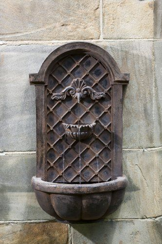 Cambridge Wall Fountain in English Iron Tivoli U.S.A. http://www.amazon.com/dp/B00319Z246/ref=cm_sw_r_pi_dp_MoPrvb020JGA4