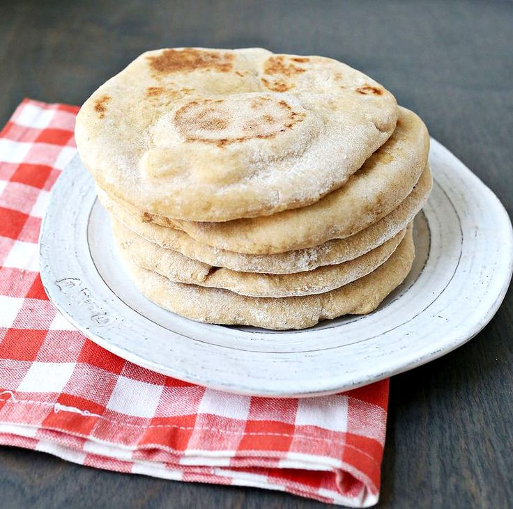 Рецепт домашние лепешки из пшеничной муки. Вкусно и легко приготовить. Кулинарный рецепт с фото. Домашняя кухня.