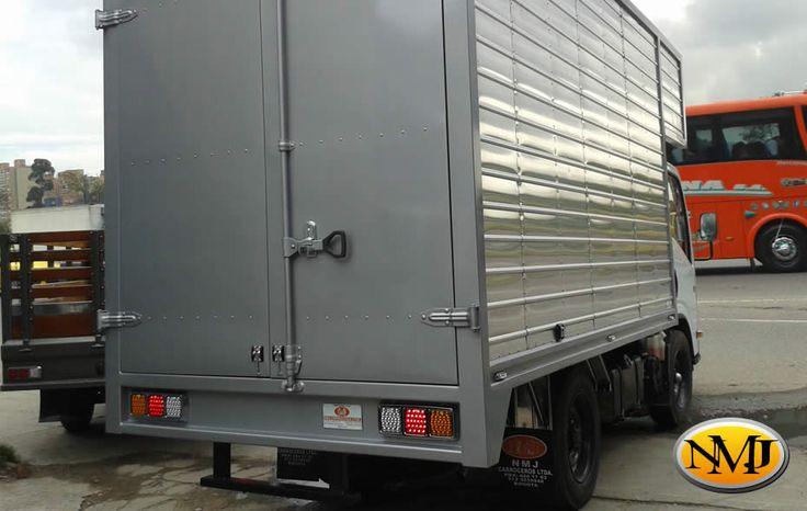 La simplicidad del diseño y la utilización de los mejores materiales en nuestros furgones, dan como resultado un furgón de características robustas y resistentes a los inclementes cambios del clima colombiano. http://www.carroceriasyfurgonesnmj.com/venta-mantenimiento-y-financiacion-de-carrocerias-para-camiones-furgones-en-aluminio-en-bogota-colombia