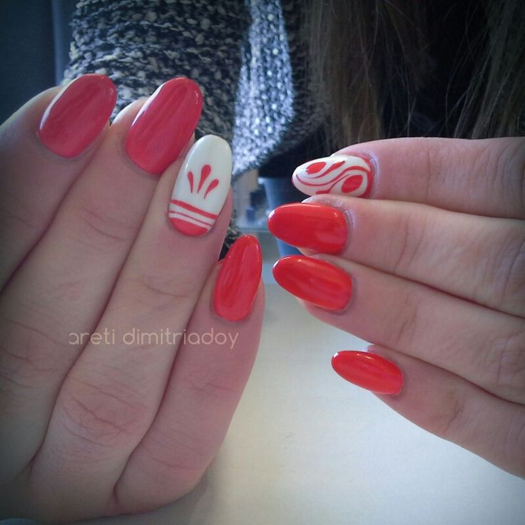 #nails #manicure #portorafti #essentialcare
