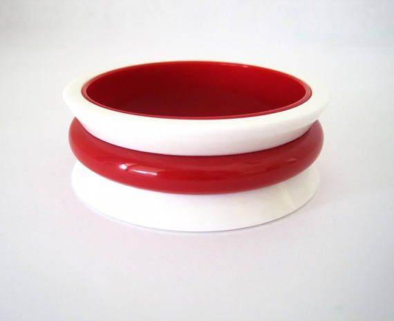 Red & White Lucite Bangle  Vintage Mod Two Tone Geometric